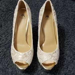 "HEELS 5 1/2"" INCH LACE SHOE DAZZLE NEW SIZE 9"
